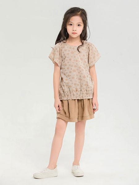 夏季连衣裙搭配 的纯童装教你怎么穿