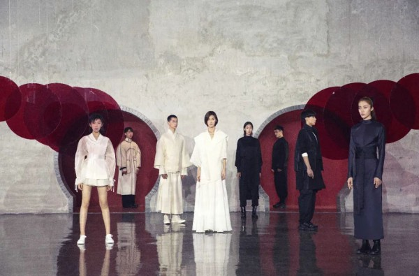 王笑石:洒脱率性、自由性感的东方服装造型艺术