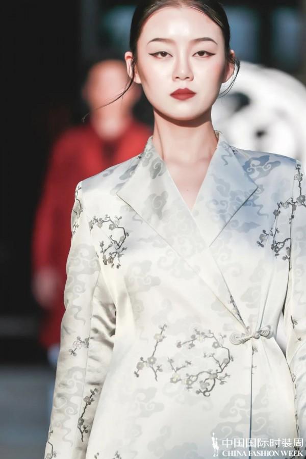 新中式美學的時裝語言 是回歸最「本我」的美