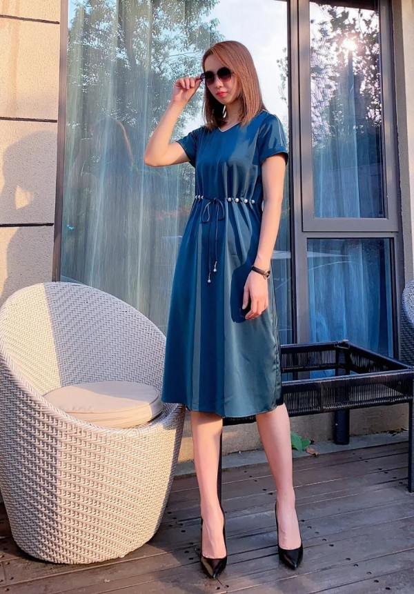 连衣裙向完美夏天Say Hi  你的优雅知性风