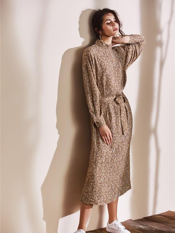 夏天長裙如何穿搭?尼赫菲打造不一樣的風格