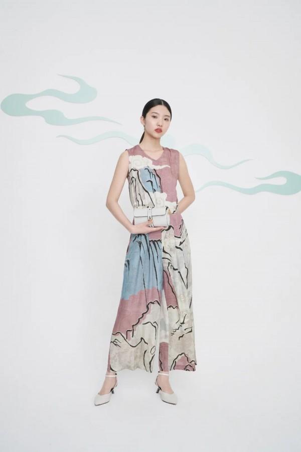 迪凯艺术女装上新 米兰时装周系列——瑰丽敦煌