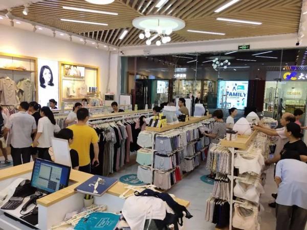 港莎棉品金華萬泰直營店試營業期間人氣爆滿