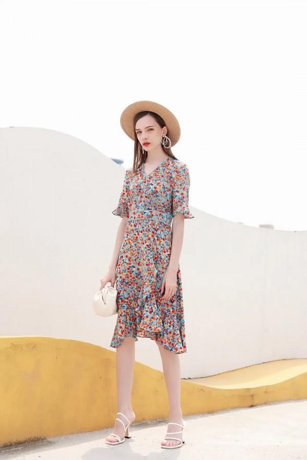 JMSO吉米赛欧女装新品 夏日里的一道风景