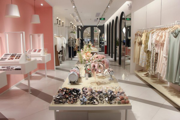 精准了解顾客需求,加盟37°生活美学时尚女装致富!