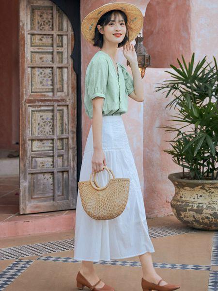 优雅半身裙搭配 夏日选择裙子穿搭