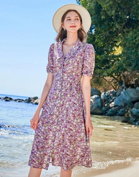 海滩边复古俏皮女郎 春美多连衣裙美到至极!