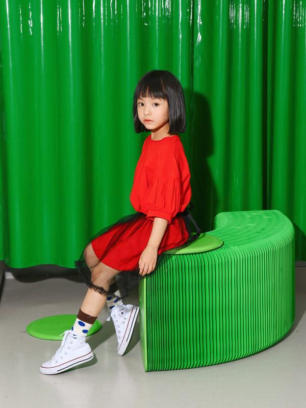 红色单品搭配 莫小汐童装教你怎么穿