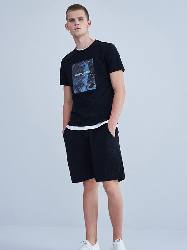 上海男装品牌推荐  V-MEN男装塑造都会V型男士形象