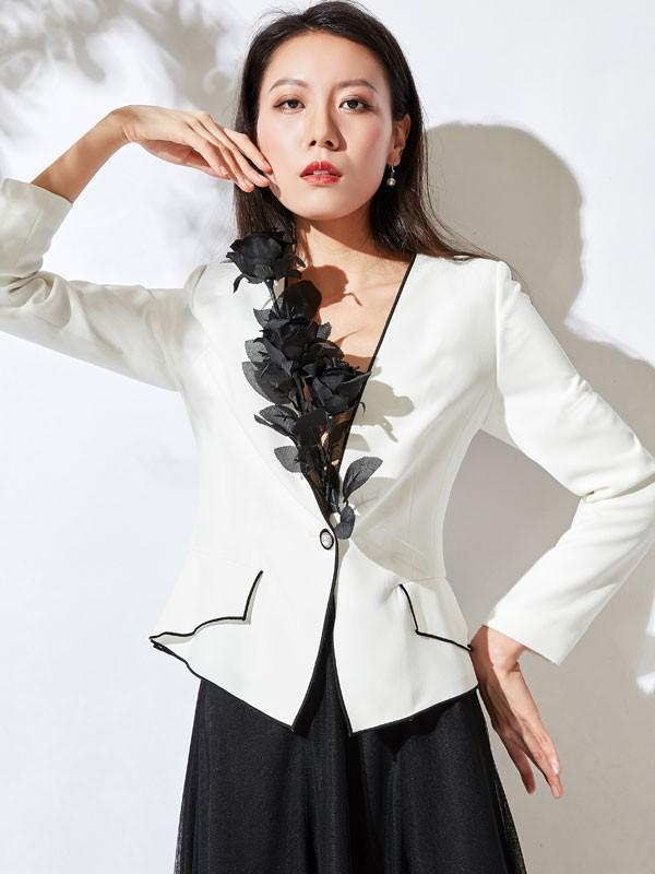 创业时代 加盟乔帛女装开启致富之路