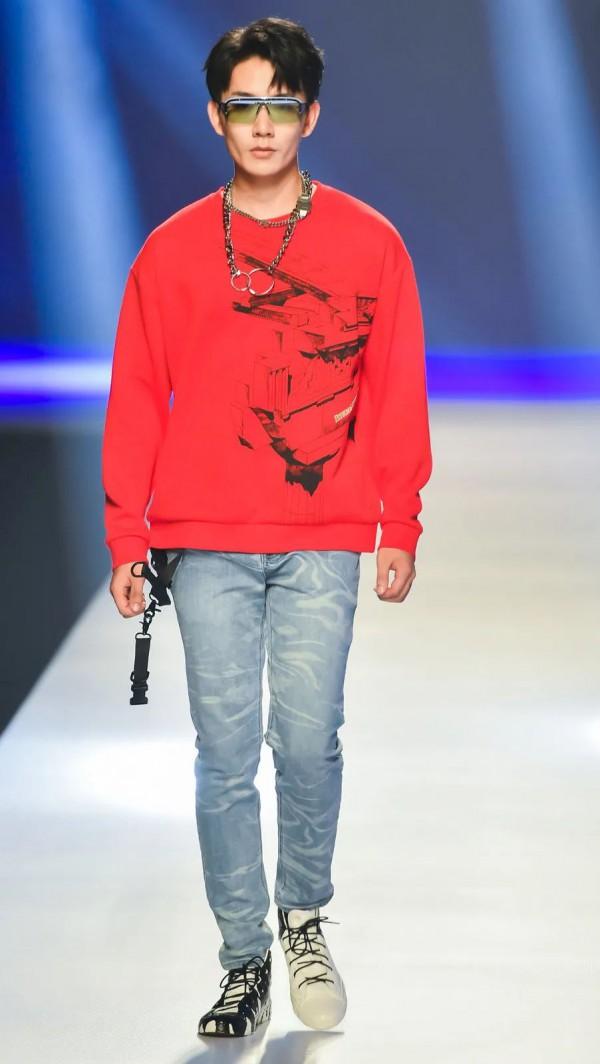 挖掘时尚新锐力量——第29届中国真维斯杯-云上T恤创意赛圆满收官
