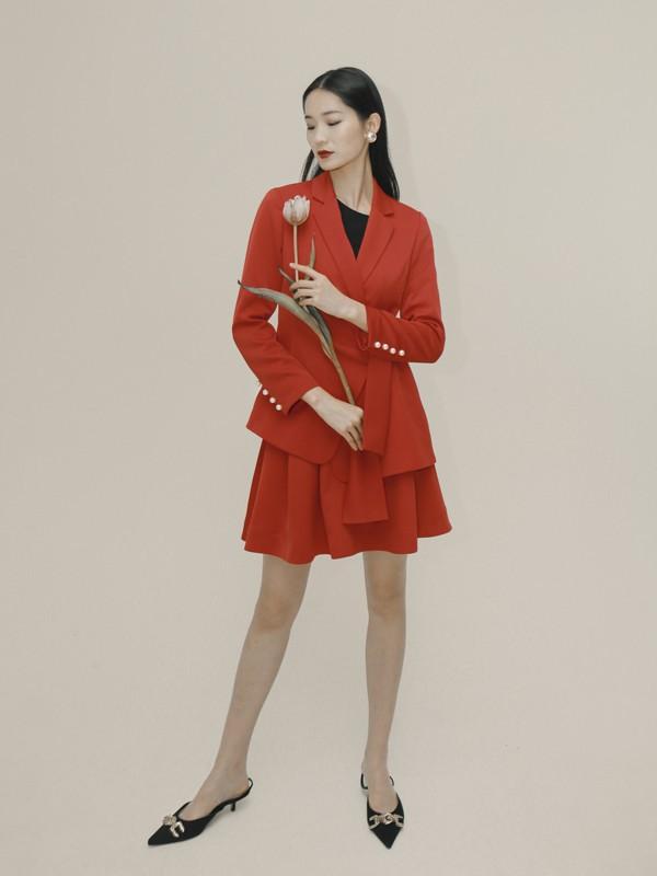 卡蔓教你红色连衣裙怎样穿出高级感?
