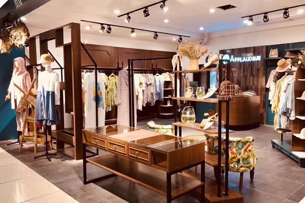 商场里的店铺怎么陈列好 文艺棉麻女装开在商场怎么陈列