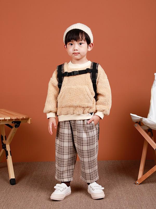 韩系小男孩穿衣指南!卫衣穿出韩系俏皮风