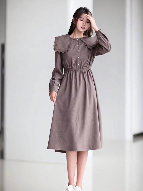 秋冬风衣搭配什么样的连衣裙好看 怎么穿优雅气质