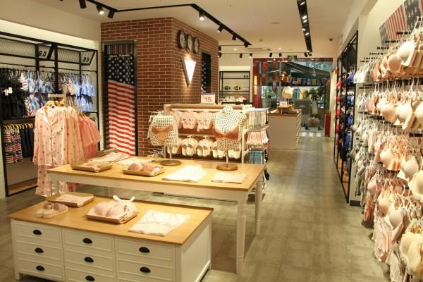 开店创业如何寻找商机?加盟BD内衣品牌好选择!