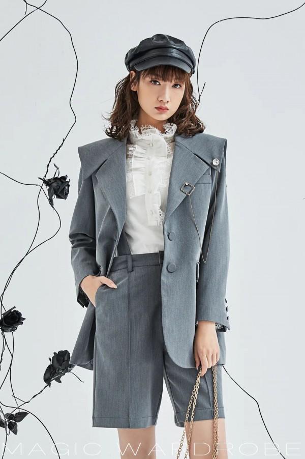 海贝女装2021春装新款 百变衣橱演绎多面自我