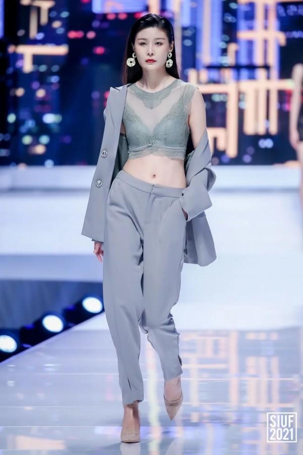 精彩回顾 | SIUF开幕大秀--自然而『燃』内衣时尚穿搭趋势发布