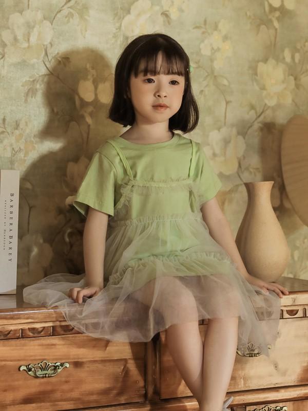 夏天小女生適合穿什么顏色的連衣裙呢 綠色連衣裙好看嗎