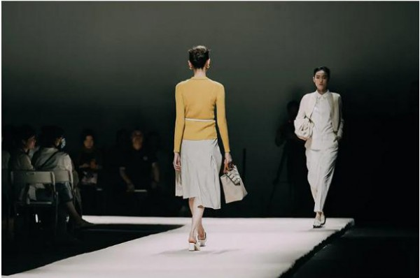 2022意澳女装春夏新品发布会于9月15日盛大召开 诚邀您的莅临!