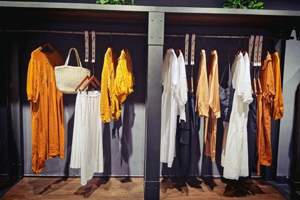女装店怎么陈列才能更吸引客户 色彩如何搭配更和谐