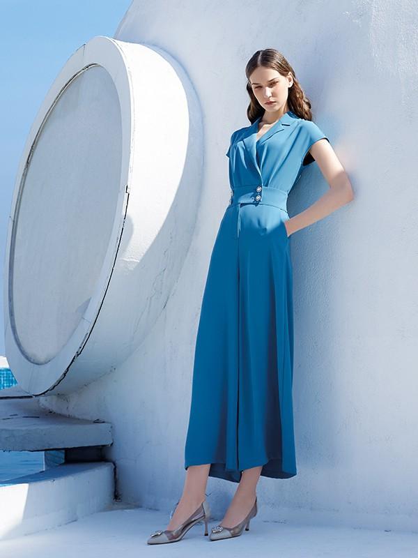 什么是西装裙  西装裙怎么搭配更好看