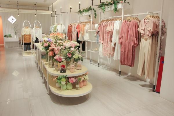 2021开37°生活美学女装店应该如何增加顾客的好感?