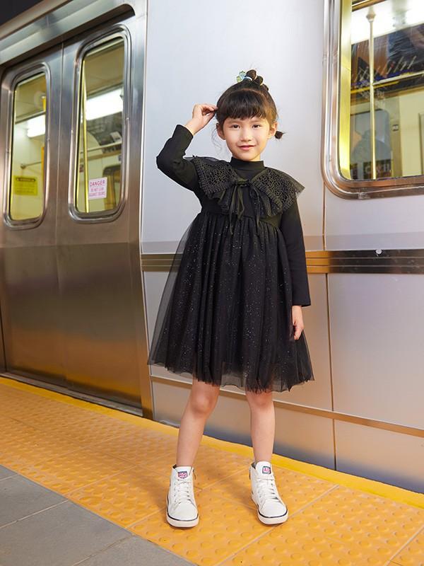 3-4歲的小女生冬天適合穿什么樣的紗裙呢  怎么搭配更好看