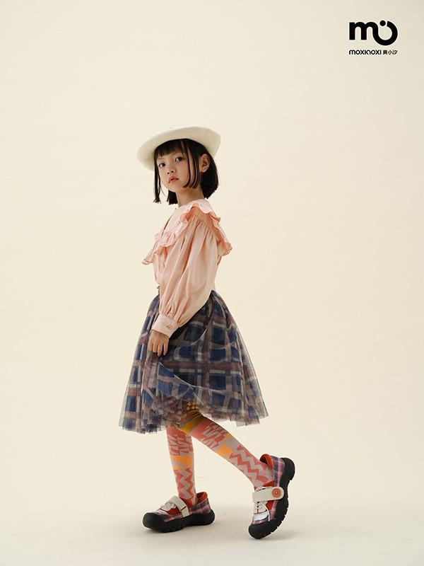 5岁小女孩秋天半身裙怎么搭配好看?粉色公主裙搭配什么上衣?