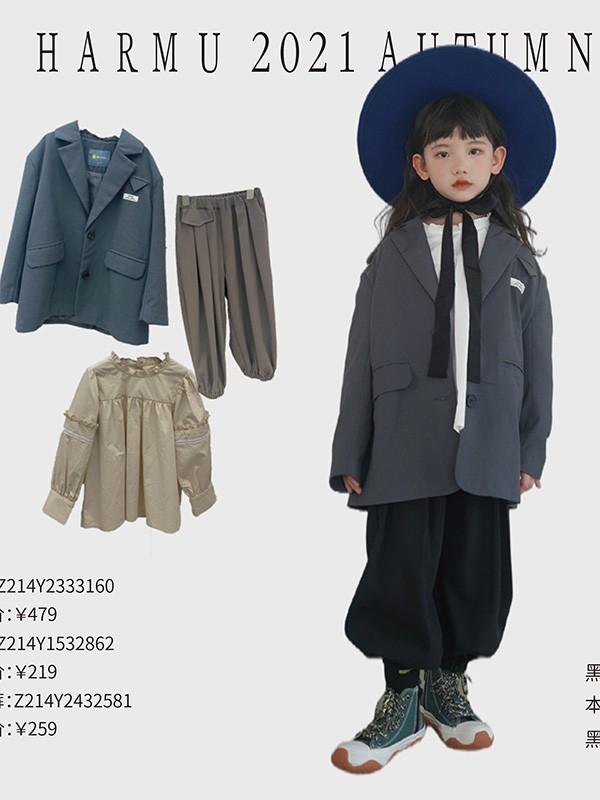 4岁陈冠希女儿自信帅气的街头风打扮气质不输超模妈妈!