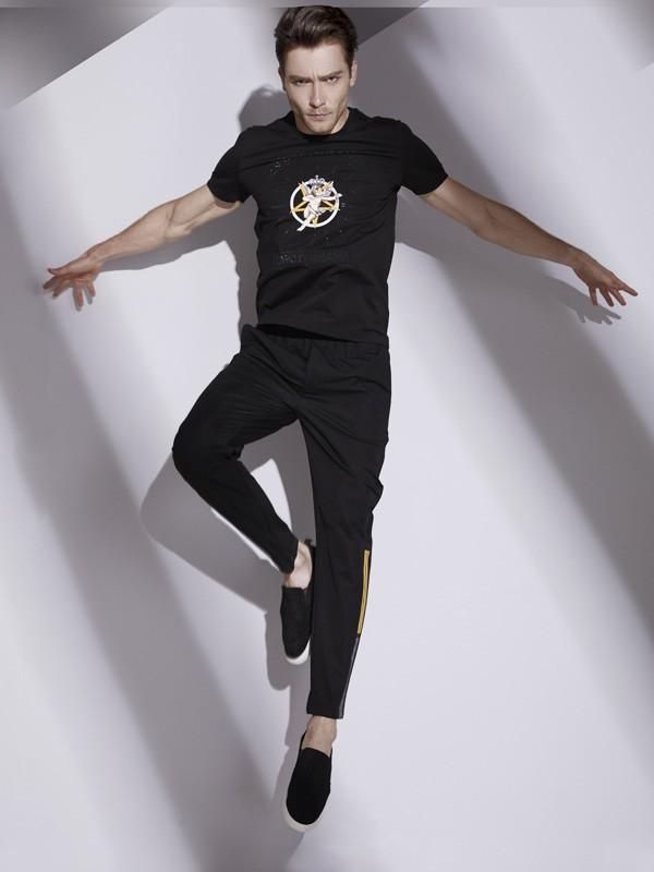 UNKUT(恩咖)--中国时尚男装品牌