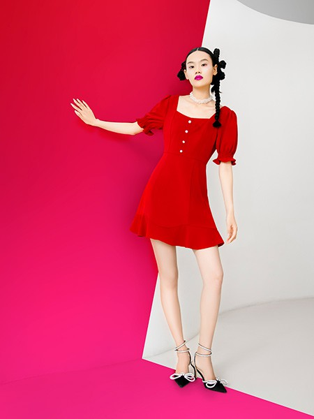 阿依莲2021春夏季红色纯色连衣裙