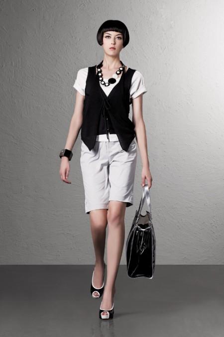 季候风品牌女装办公室的时尚09招商中