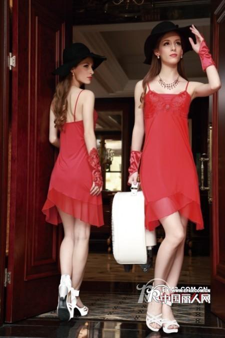 性感的吊带裙睡衣适合什么人穿 女性穿什么更有诱惑力