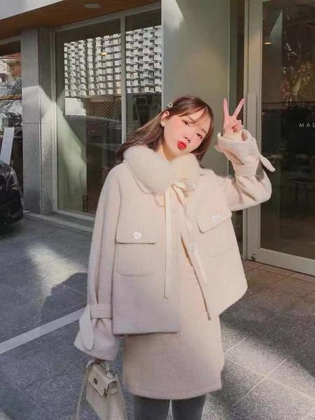 女神范套装冬季新款名媛气?#26159;?#30382;洋气水貂绒网红套装裙