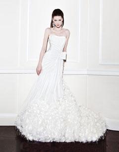 纯美新娘首选婚纱品牌:桂由美