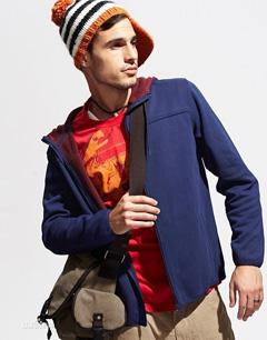 时尚卫衣款式-男式卫衣搭配