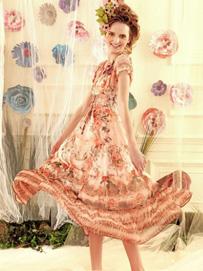 田园裙装品牌:出格