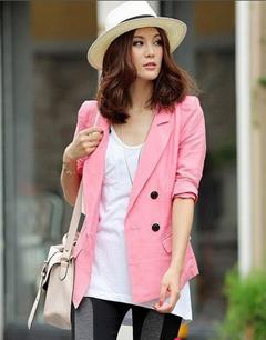 双排扣粉色耸肩修身小西装