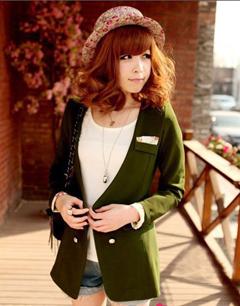 墨绿色的单纽扣无领小西装
