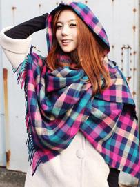衣服款式与围巾的搭配