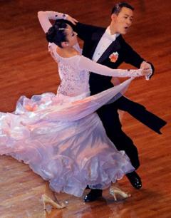 男女对跳舞蹈服装--国标舞