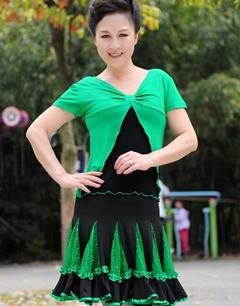时尚舒适中老年广场舞舞蹈服装