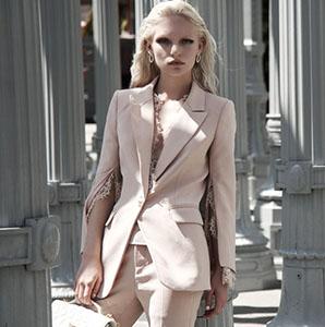 冬天流行穿这样颜色的衣服 是你所想象不到的时髦