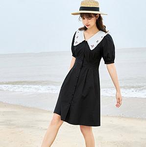 值得入手的小黑裙有哪些?小黑裙要怎么搭配?